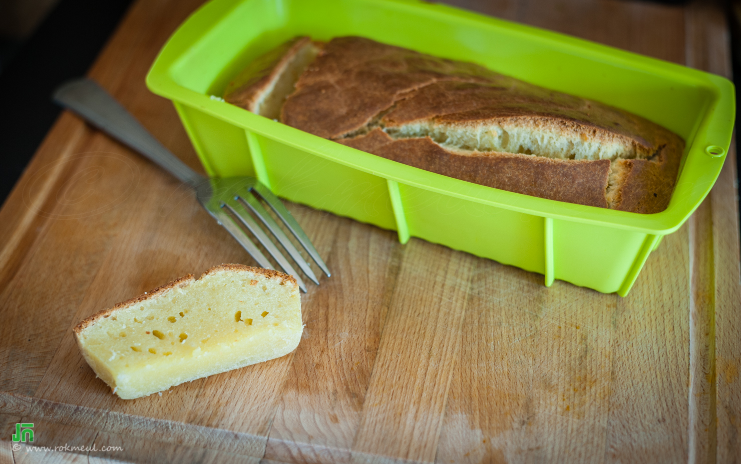 Yogurt cake become a yogurt bread ^^